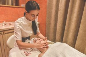 Kiniškas veido masažas